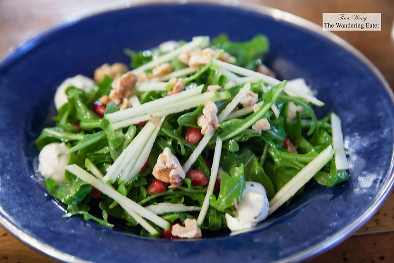 Farmer salsd - Arugula, pomegranate, walnuts, sliced apple, Champagne vinaigrette
