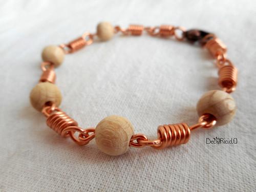 braccialetto molle e perle di legno grezzo tonde 1