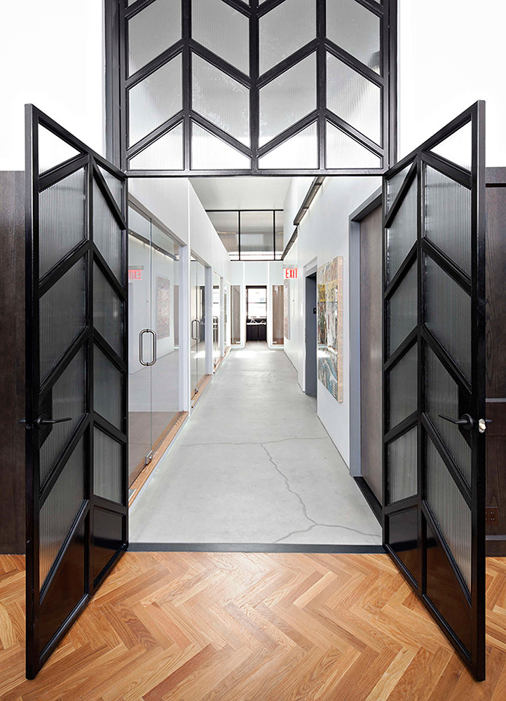 Office space design of the former firehouse in New York Sundeno_05