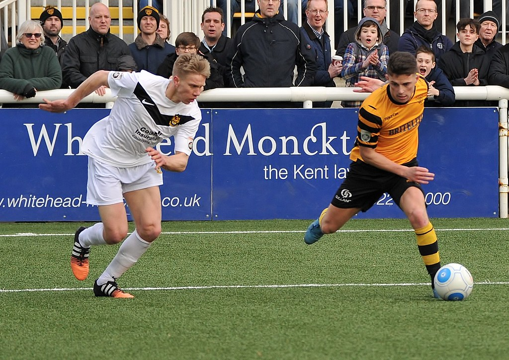Maidstone United v Southport 275