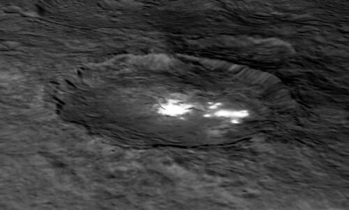 VCSE - Mai kép - (1) Ceres - Occator kráter