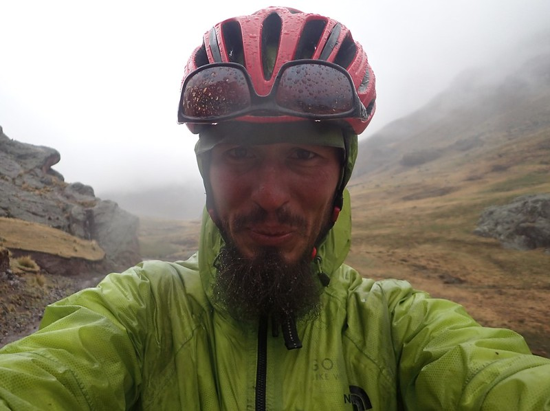 Frío y lluvia en la reserva paisajística Nor Yauyos-Cochas.