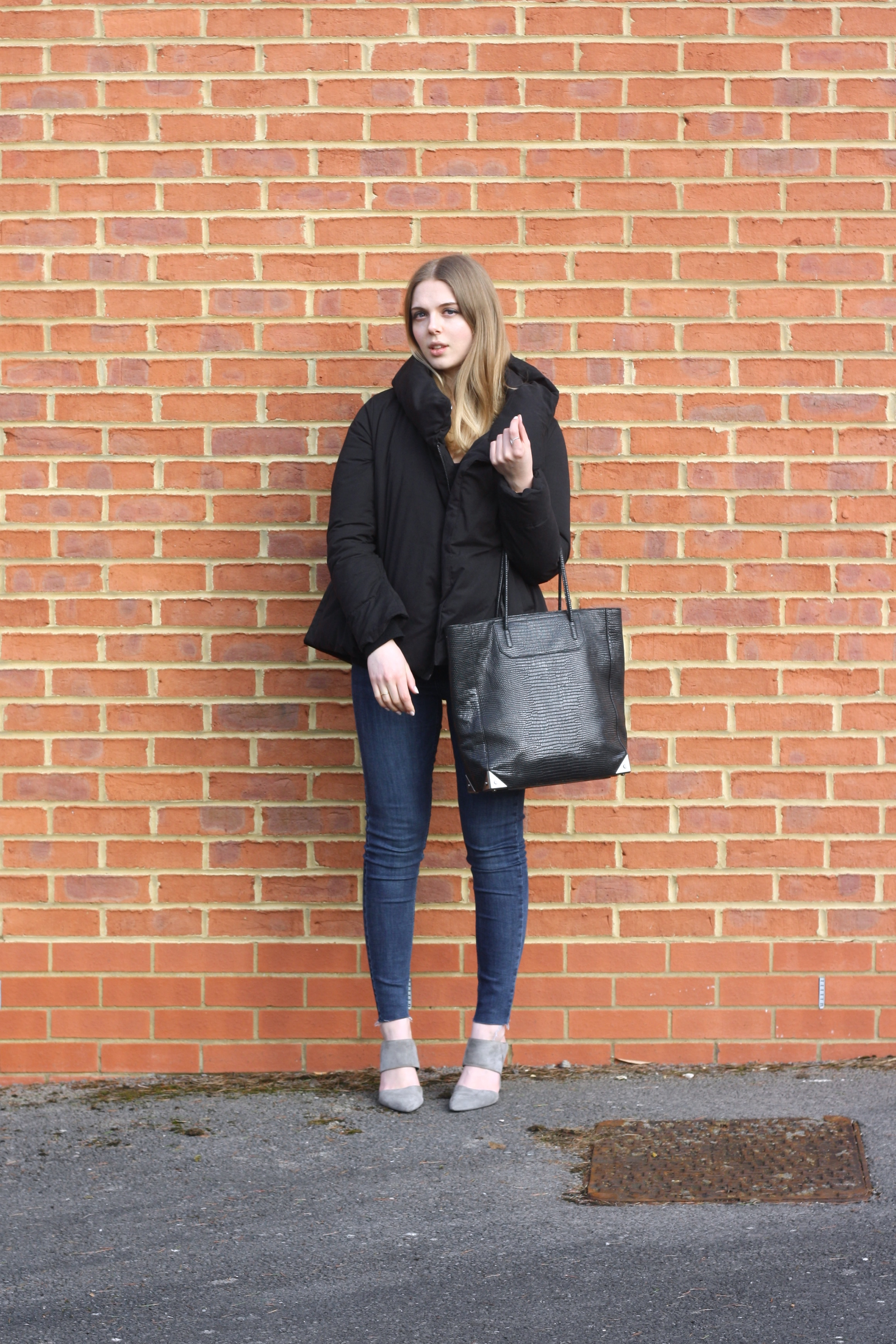 Whistles grey suede mules, Alexander Wang Prisma lizard tote and Topshop blue Jamie skinny jeans
