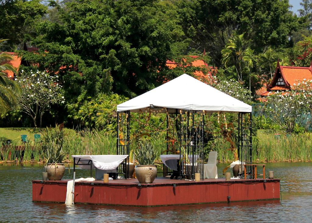 destination-dining-banyan-tree-phuket