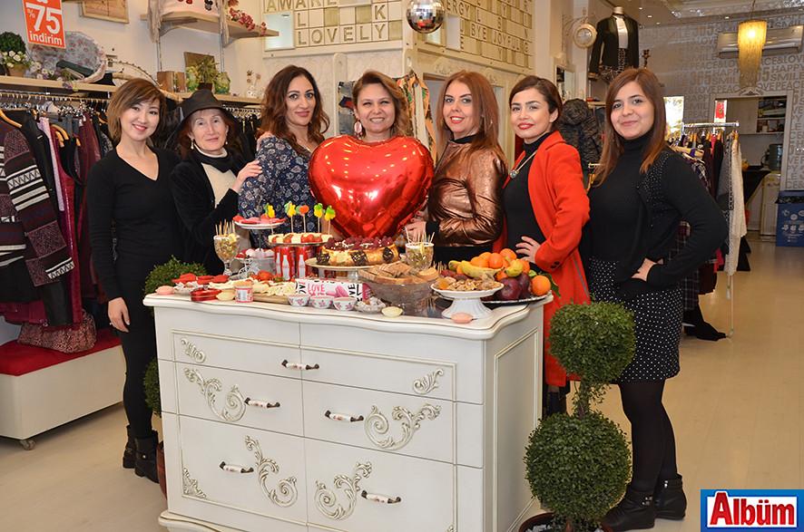 Sevgililer Gününe Özel Renkli Kutlama (Derin Mağazası)
