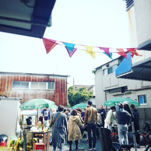 街のいろんな人が集まって来てますよ #松陰神社通りのみの市 #松陰神社前 #すきまBBQ