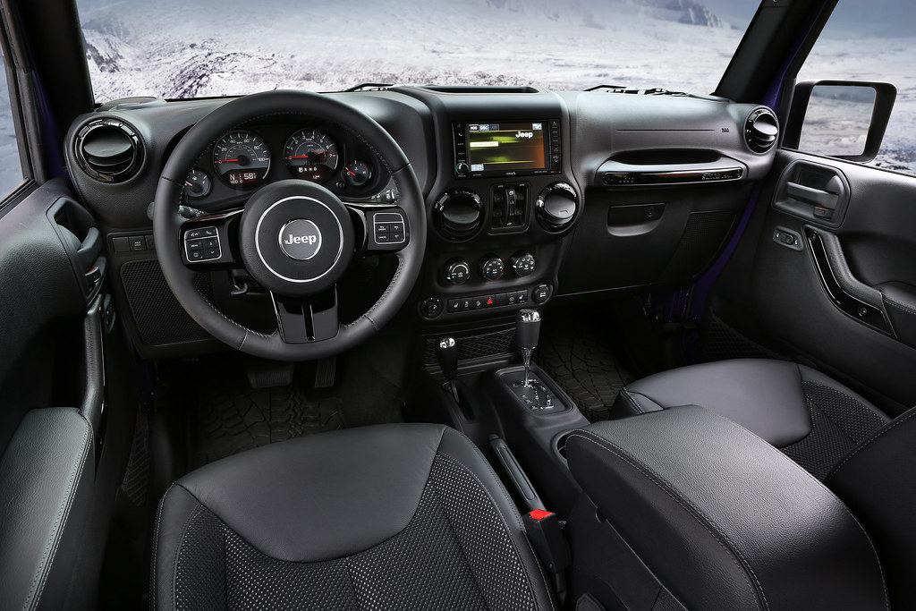 Jeep Connectivity Group >> 2016 Jeep Wrangler Backcountry Interior Features Standard Flickr