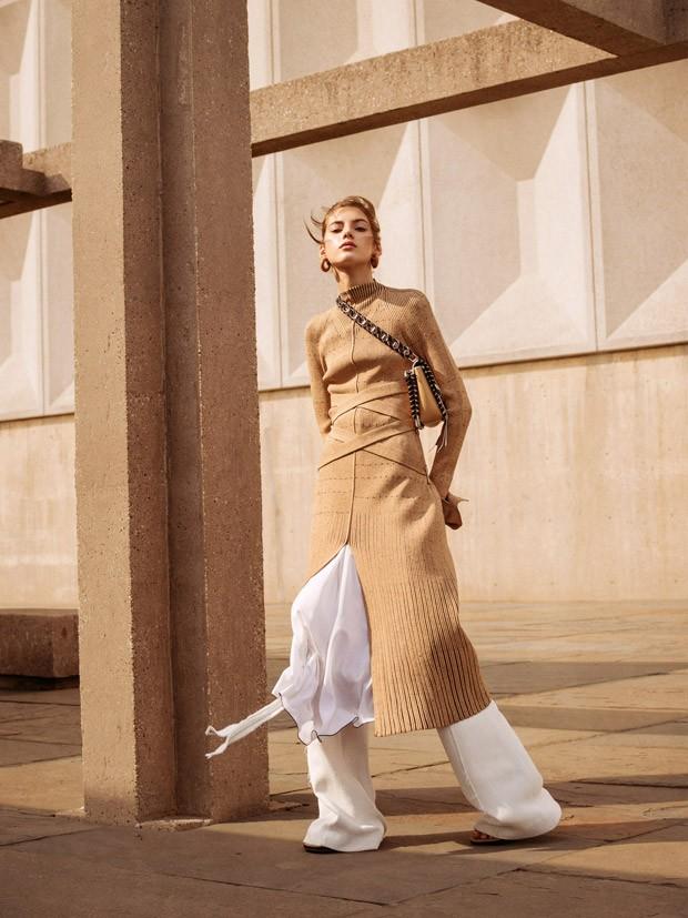 Valery-Kaufman-Vogue-Russia-Sebastian-Kim-01-620x827