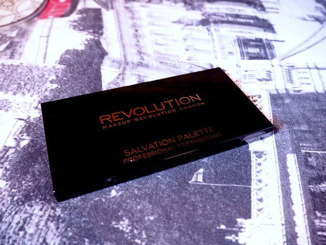 Makeup Revolution Salvation palette Dia de los Muertos