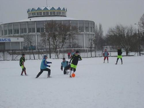 20 команд зіграють у футбол на снігу