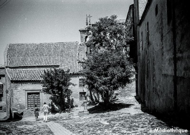 Plaza de Santa Eulalia en Toledo en agosto de 1965. Fotografía de Jacques Revault © e-Médiathèque | Médiathèque SHS de la Maison méditerranéenne des sciences de l'homme