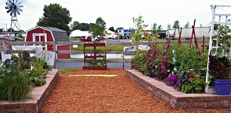 image of garden display in Washington County, WI