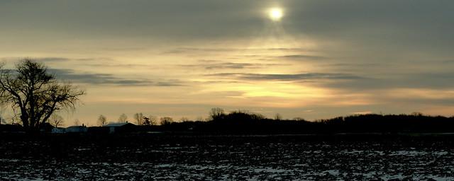 Sunrise over the field, Mulliken