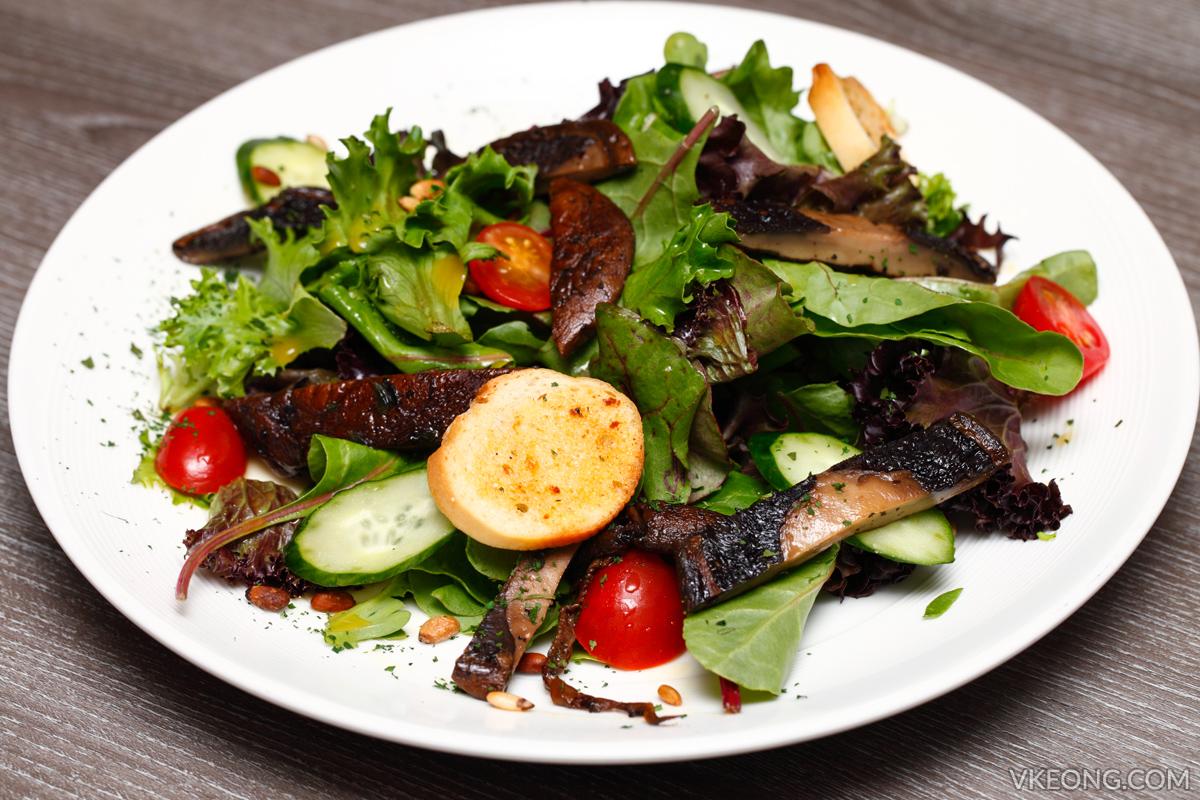 Breeze Bistro Bar Salad