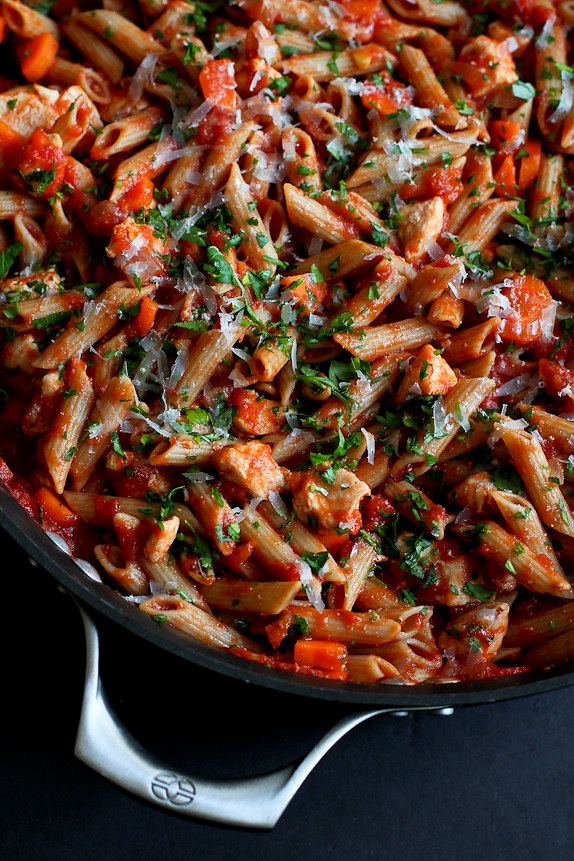 240 Calories Skillet Whole Wheat Pasta With Chicken And Tomato Sauce30 Minute Dinner
