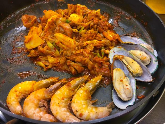 Yoogane Dak Galbi - Seafood and Chicken Dak Galbi