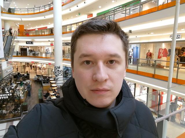 Снимок с фронтальной камеры Huawei Mate 9