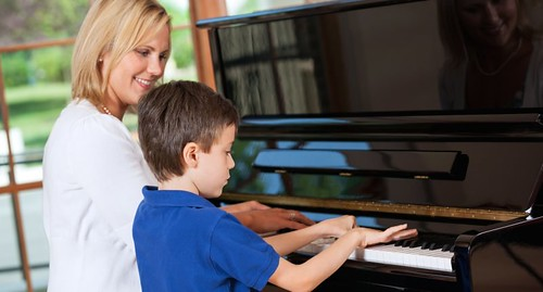 Boy-Taking-Piano-Lessons-Shutterstock-800x430
