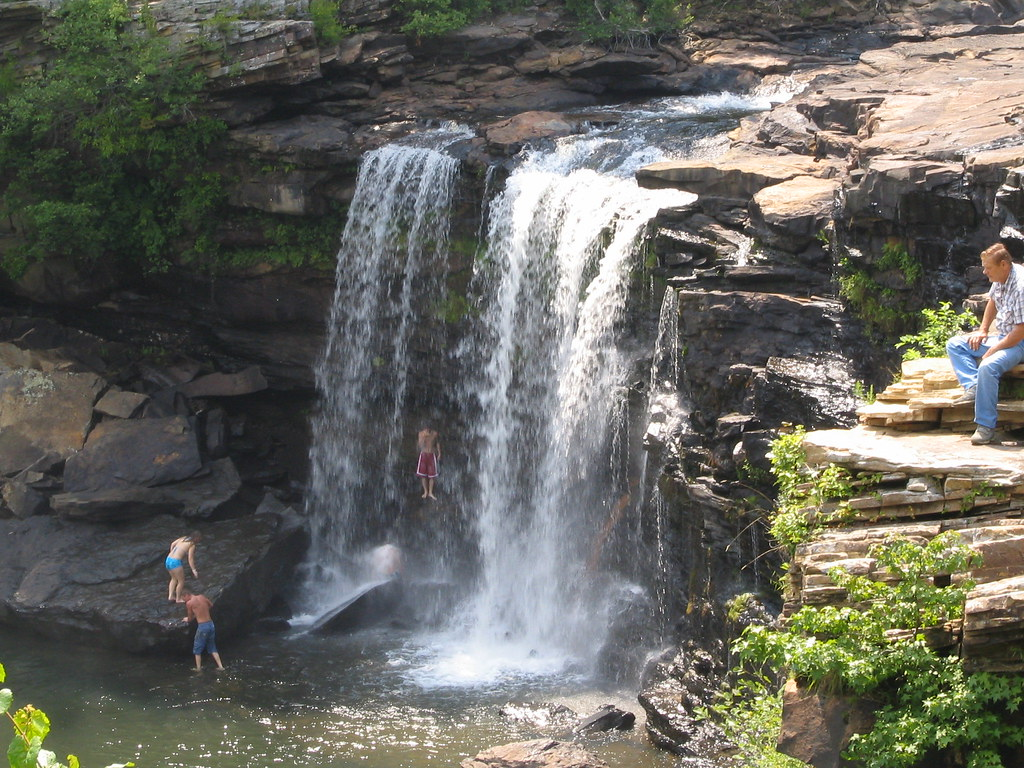 Little River Canyon Falls While The Look Of This