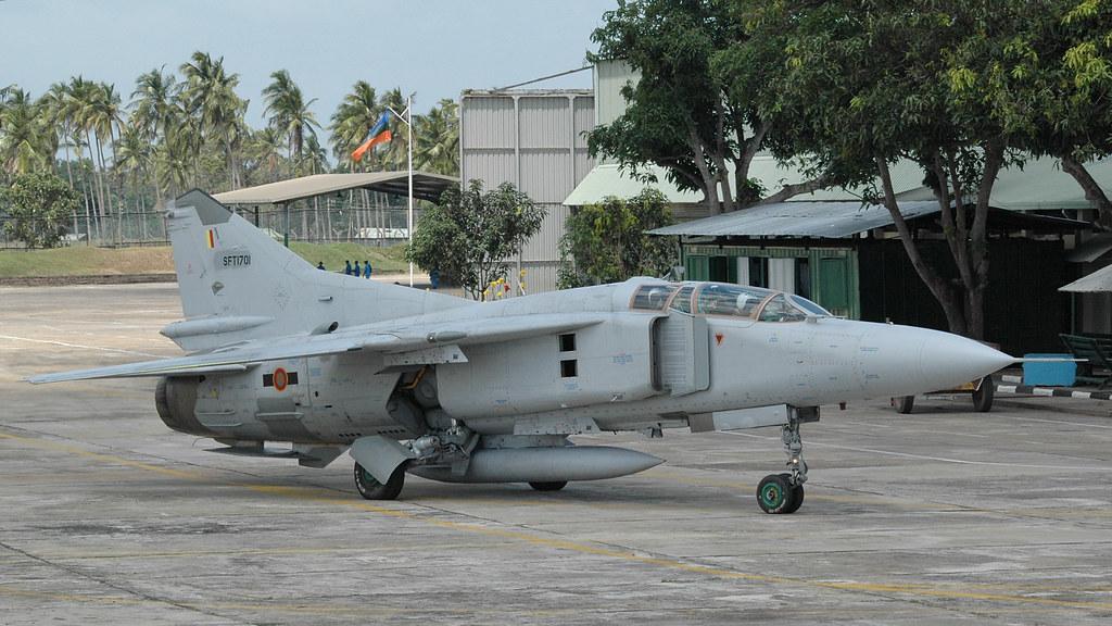 armée Sri-lankaise / Sri Lanka Armed Forces - Page 2 32057875146_b47f76efe8_b