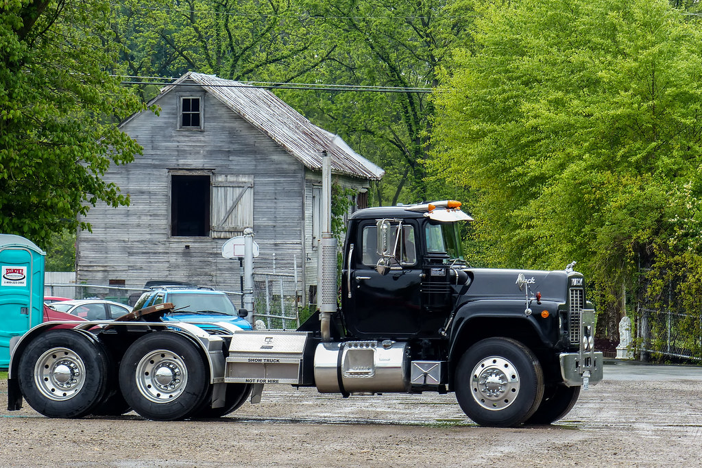 1973 Mack Tractor Truck : Vintage r model mack show truck cincinnati chapter of