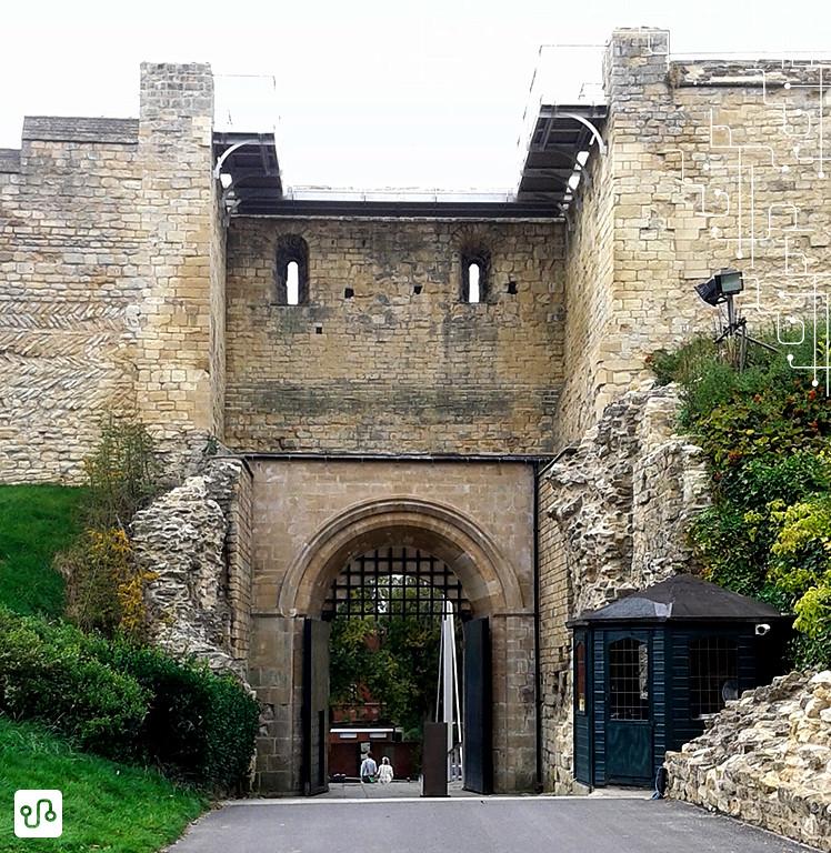 Entrada do Lincoln Castle (misturar inglês e português virou rotina, Luciana Gimenes feelings)