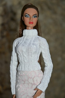 White pullover for doll | by pechenuha1