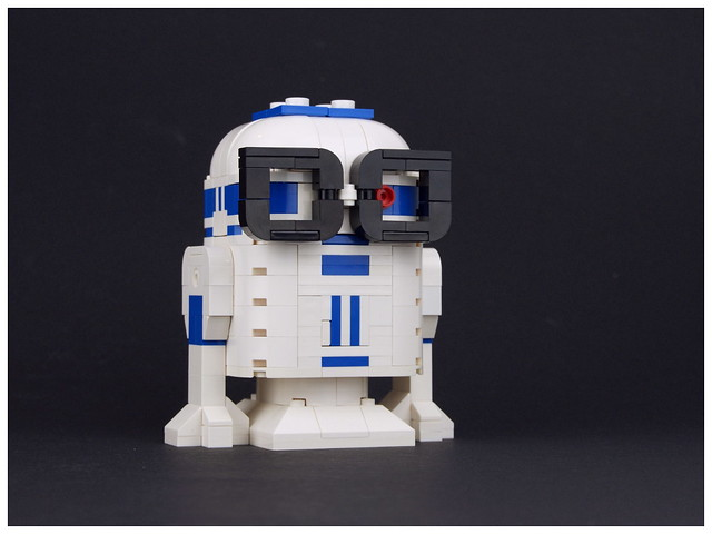 Nerdly R2-D2, by Palixa And The Bricks, on Flickr