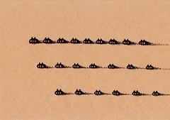 クラフト紙50_砂地を三列で直進する黒プレーン