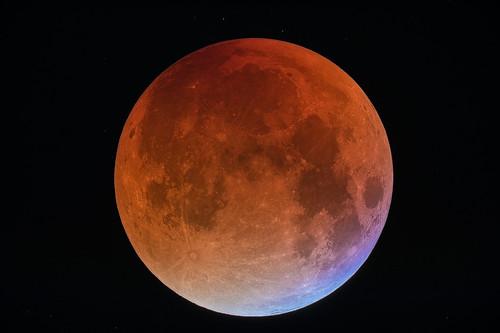 VCSE - Mai kép - Holdfogyatkozás