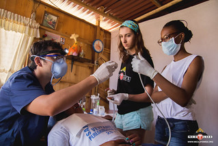 Peru-Volunteers w- Dentist | by medlife.mcgill