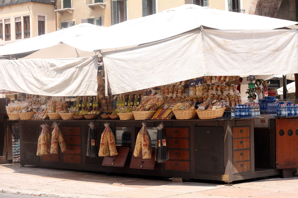 markets in verona italy