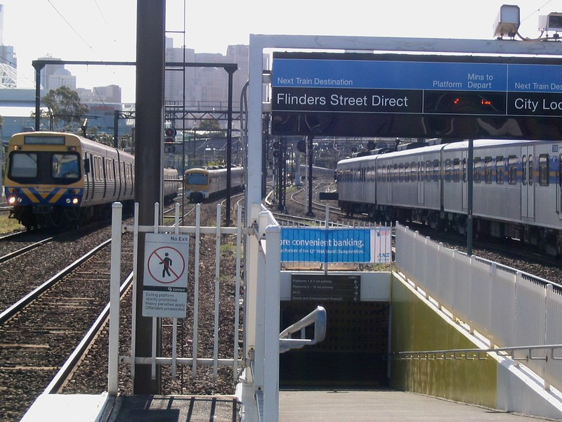Trains at Richmond (March 2007)