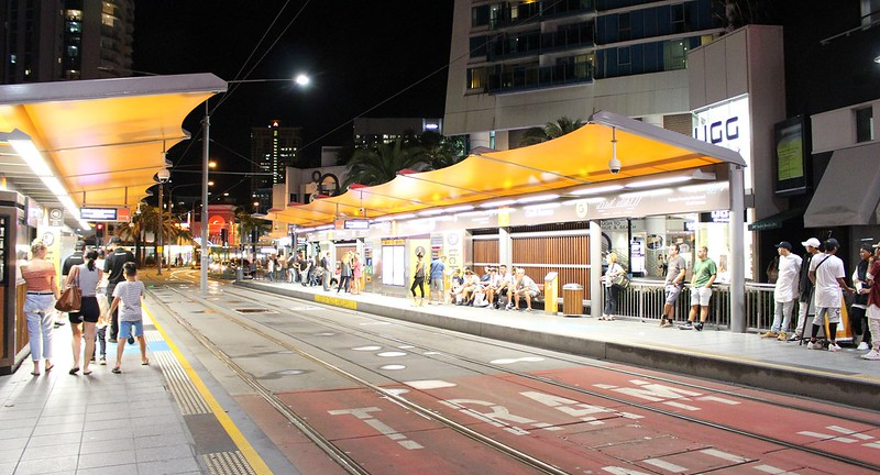 Gold Coast Light Rail: tram stop