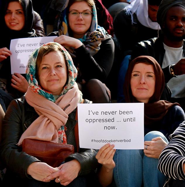 Studenten KDG in actie: #OntslaMijDanOokMaar // Foto's door Liesbeth