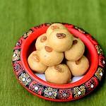 Wheat flour ladoo / atta laddu recipe