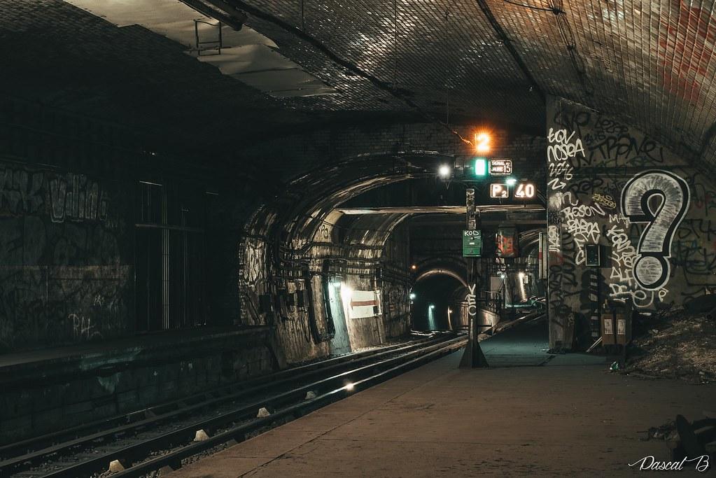 [Station famtôme] Champs de Mars 30900554744_c40fb1fa61_b
