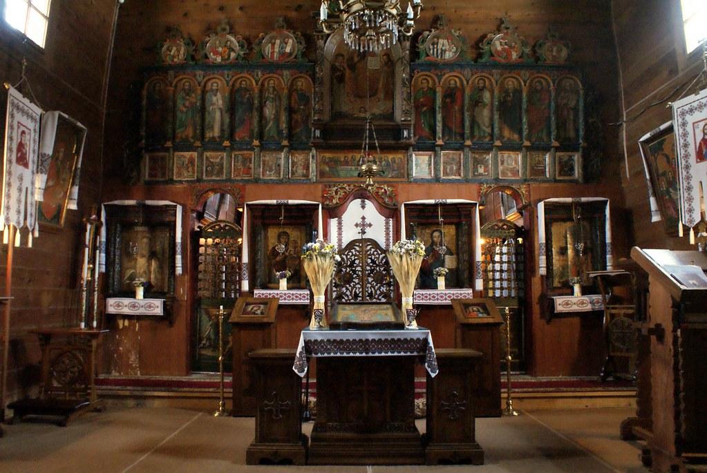 Reproduction de l'Intérieur de l'église de Kryvka dans la région de Lviv. Ici dans le musée d'art et de construction populaire.