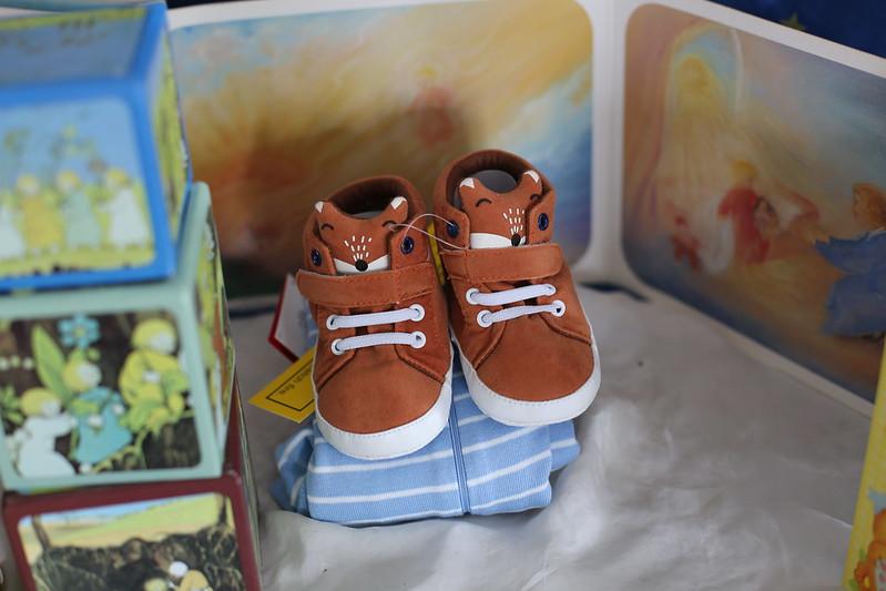 fox sneakers