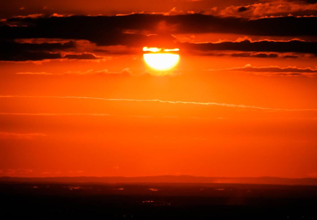 Montr al coucher de soleil facebook twitter - Coucher de soleil montreal ...