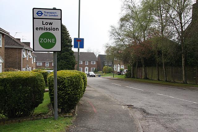 倫敦的低排放區。攝影: Martin Addison。圖片來源:維基百科。