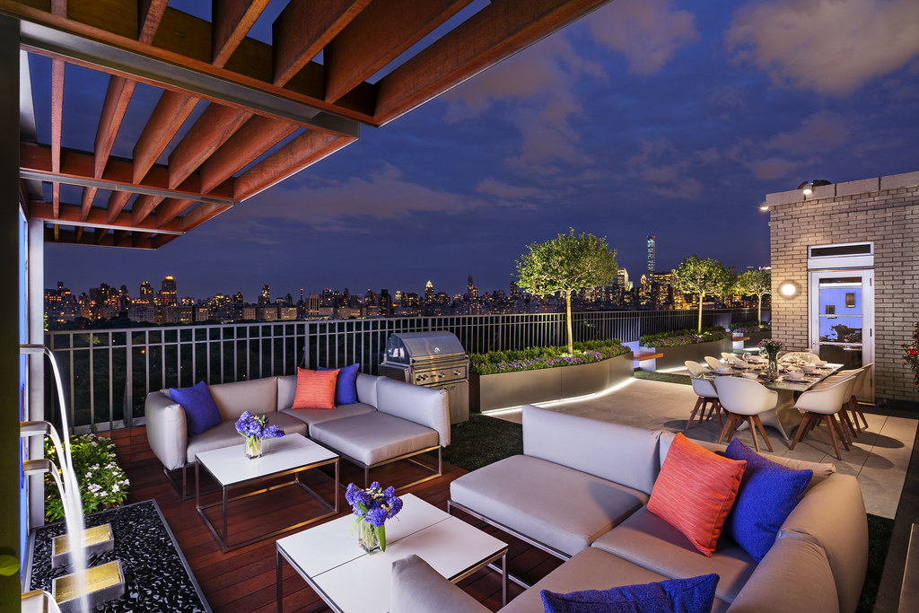 New york city penthouse featuring artificial grass by forv for New york city penthouses central park