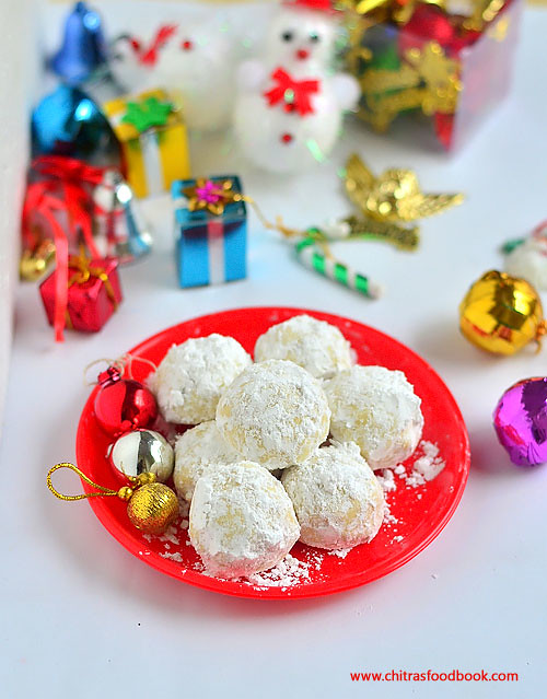 Snowball Cookies Recipe - Easy Christmas recipes