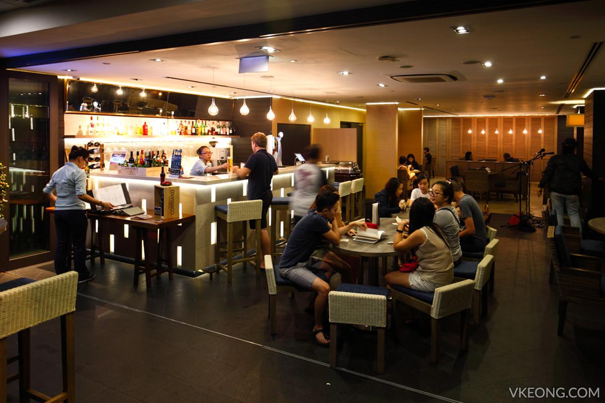Grand Mecure Roxy Breeze Bistro Bar