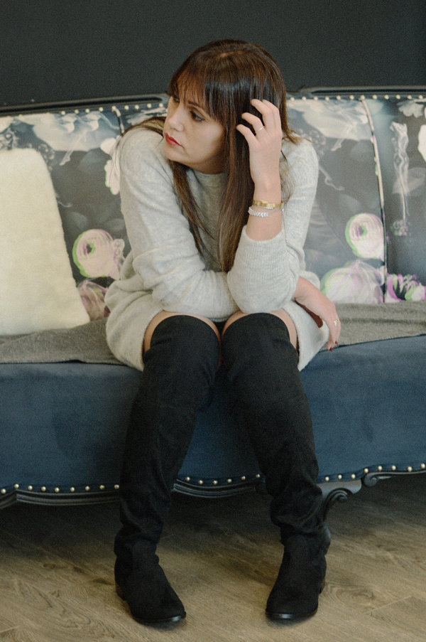 2_aritzia_sweater_dress_black_over_the_knee_flat_boots_steve_madden