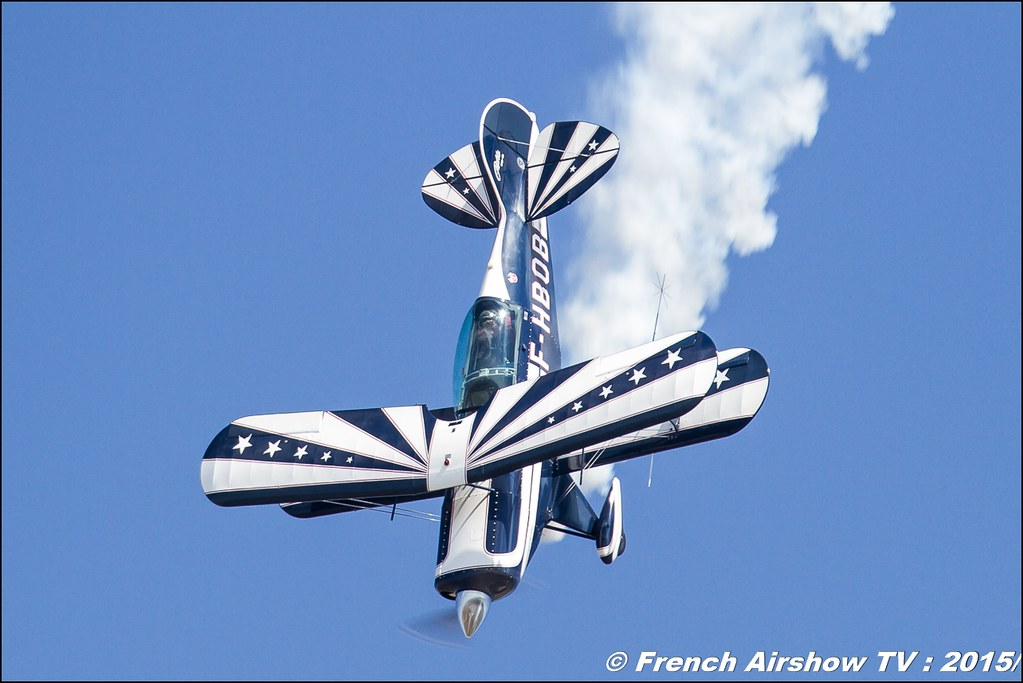 Skyloop , Premium Aerobatic Show , Eric Vazeille and Bertrand boillot, WAC2015 , 28th FAI World Aerobatic Championships Châteauroux 2015 / Championnats du Monde de Voltige Aerienne 2015 , Meeting Aerien 2015