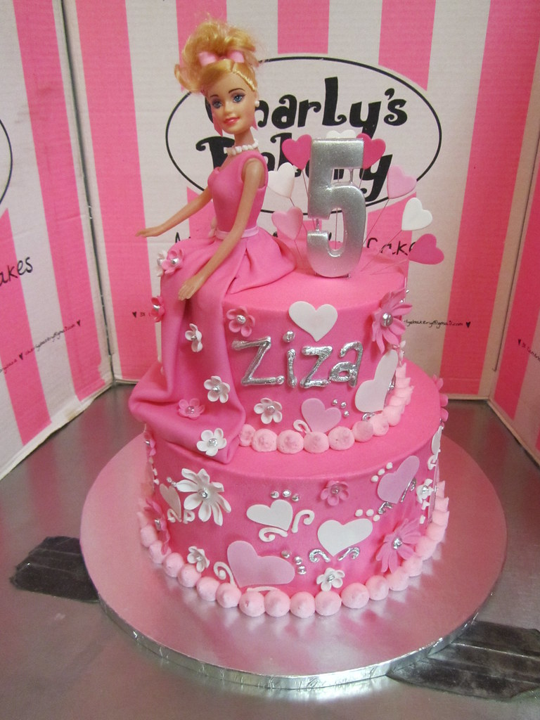 2 Tier Barbie Themed 5th Birthday Cake In Shades Of Pink Flickr