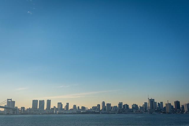 有明「富士見橋」から撮影したウォーターフロントの写真