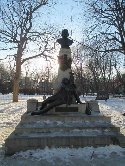 Monument Octave Crémazie