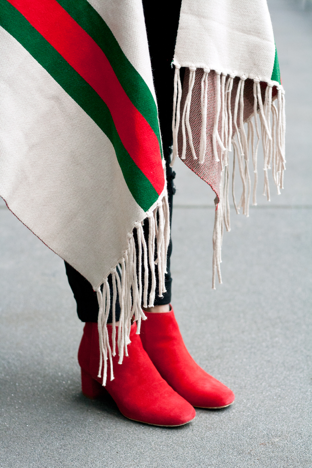 06madewell-red-suede-booties-fringes-shawl-travel-style-fashion